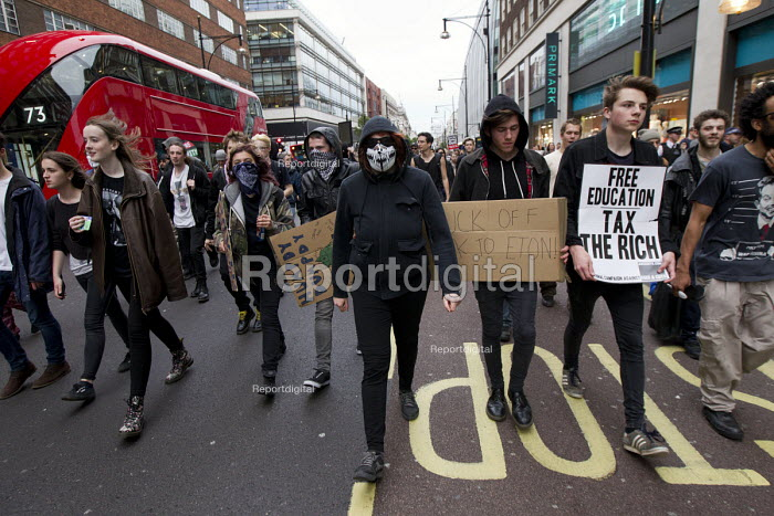 Anti austerity protests on the day of the Queens Speech and opening of Parliament. Oxford Street. London. - Jess Hurd - 2015-05-27