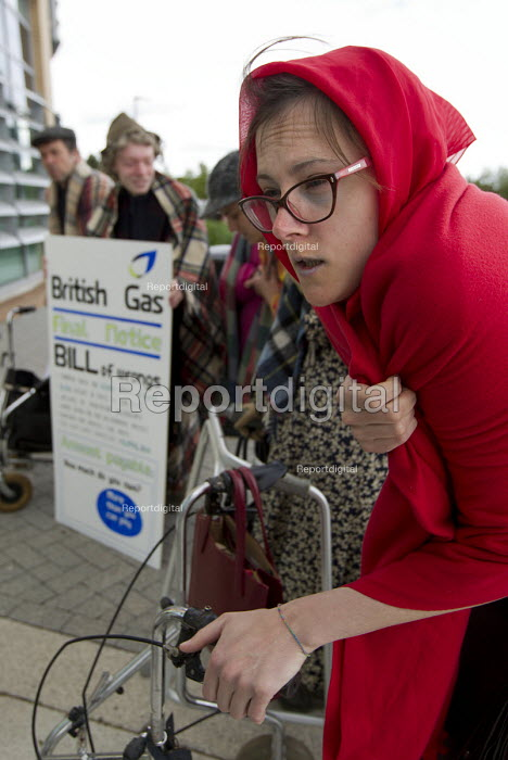 Protest by activists dressed as cold shivering pensioners... - Jess Hurd, jj1506005.jpg