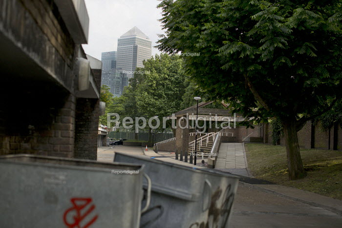 View of Canary Wharf and Citi Bank Group from a Poplar estate. Tower Hamlets. East London - Jess Hurd - 2015-06-12