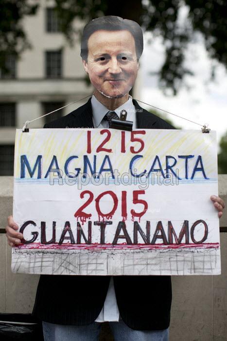 Magna Carta Day - Save Shaker Aamer, Whitehall. London. - Jess Hurd - 2015-06-15