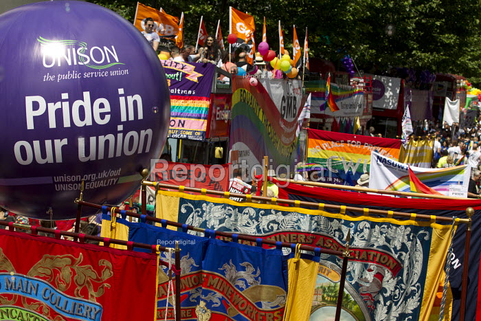 Unison balloon and NUM banners Pride in London Parade 2015 - Jess Hurd - 2015-06-27