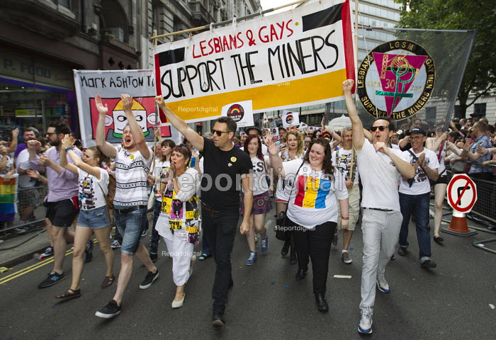 Lesbian and Gays support the miners banner, Gay Pride London 2015 - Jess Hurd - 2015-06-27