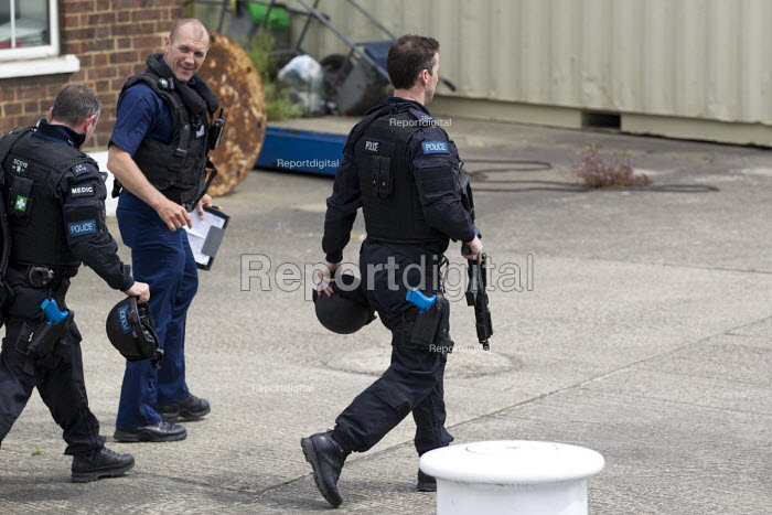 Armed police during an anti terrorism security simulation... - Jess Hurd, jj150706.jpg