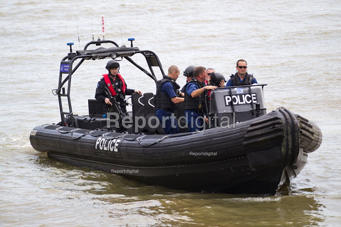Armed police during an anti terrorism security simulation exercise, Wood Wharf, nr Canary Wharf, London Dockands - Jess Hurd - 2015-07-01