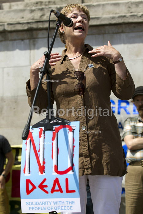 Lesley Mercer CSP speaking at Solidarity With the Greek People, No to Austerity. No, OXI rally against austerity imposed by the Troika. Trafalgar Square. London. - Jess Hurd - 2015-07-04