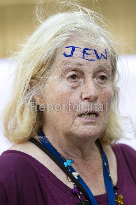 Proud Jew. Anti racists protest against a small group of fascists alleging the Jewification of Britain. They were banned from Golders Green. Westminster, London. - Jess Hurd - 2015-07-04