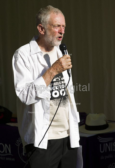 Jeremy Corbyn MP campaigning for Leader of the Labour... - Jess Hurd, jj150792.jpg