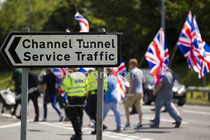 Folkestone United, Stop Tunnel Deaths. Protest against migrant rights. Eurotunnel, Folkestone. Kent. - Jess Hurd - 2015-08-01