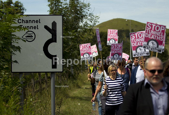 Folkestone United, Stop Tunnel Deaths. Protest supporting... - Jess Hurd, jj150813.jpg