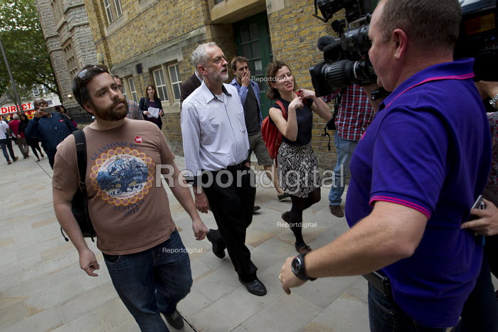 Jeremy Corbyn speaking to media before Quiz Corbyn meeting Ealing Town Hall London - Jess Hurd - 2015-08-17