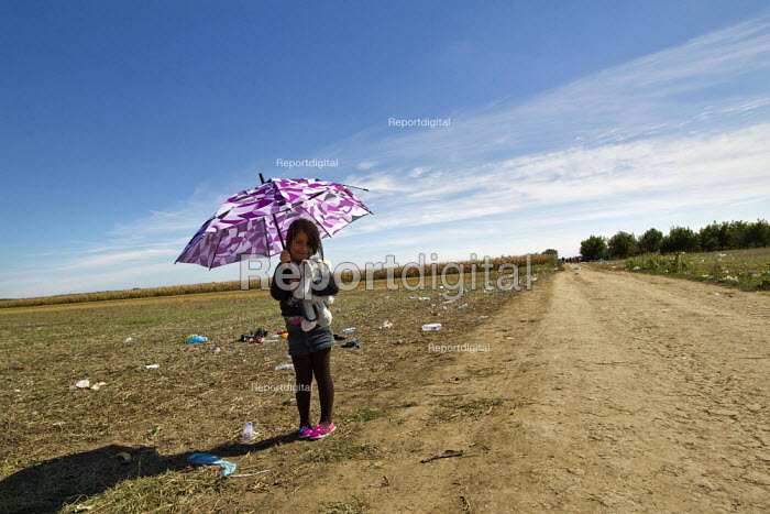 Child refugees Tovarnik, Croatia border crossing. Serbia - Jess Hurd - 2015-09-21