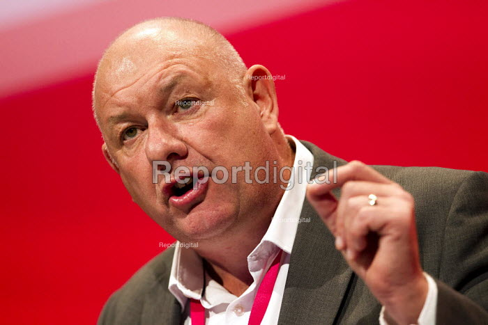 Dave Ward CWU speaking Labour Party Conference, Brighton. - Jess Hurd - 2015-09-28