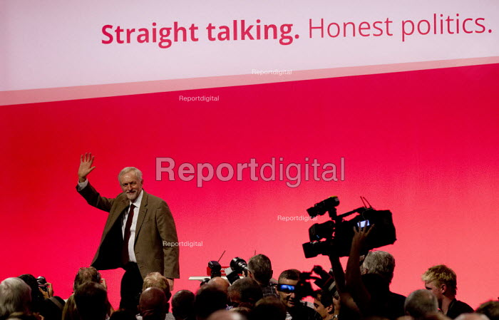 Jeremy Corbyn speaking at Labour Party Conference, Brighton. - Jess Hurd - 2015-09-29