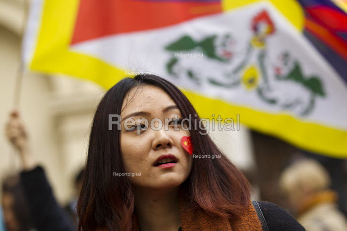Pro China nationalists try to obscure Free Tibet human rights protest at state visit of Chinese president Xi Jinping London - Jess Hurd - 2015-10-20