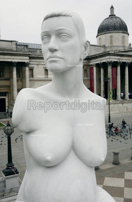Alison Lapper Pregnant, by Marc Quinn, 4th Plinth, Trafalgar Square, London. - James Jenkins - 2007-06-07