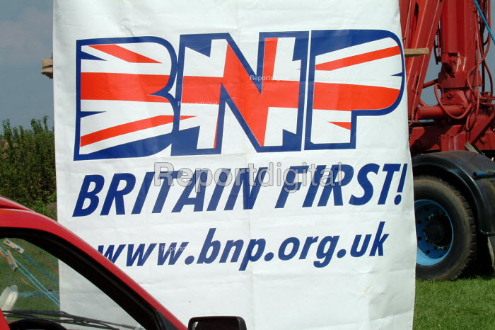 "BNP, British National Party ""Red, White & Blue"" festival, Sawley, Lancashire. - James Jenkins - 2003-08-16"
