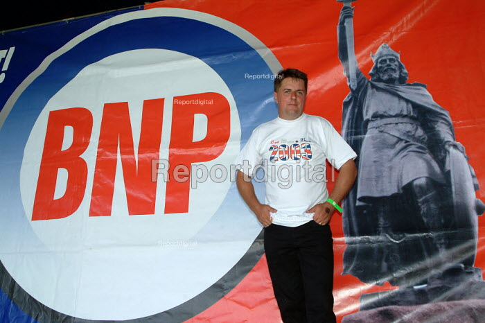 """Nick Griffin, Chairperson BNP, British National Party """"Red, White & Blue"""" festival, Sawley, Lancashire. - James Jenkins - 2003-08-16"""