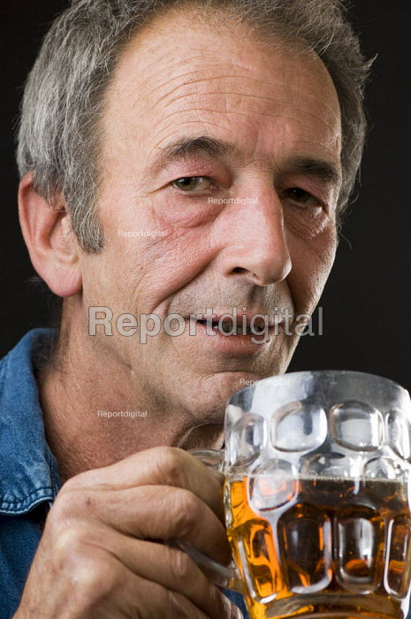 Man enjoying a pint of beer. - Paul Carter - 2007-09-04