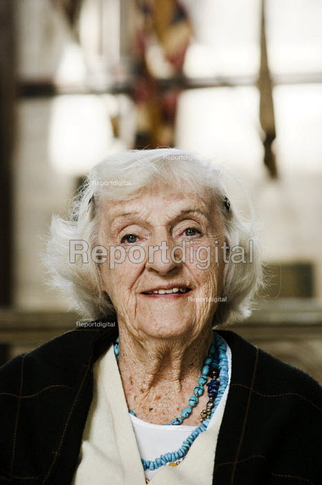 Portrait of an elderly woman, during a visit to Salisbury Cathedral. - Paul Carter - 2008-09-15