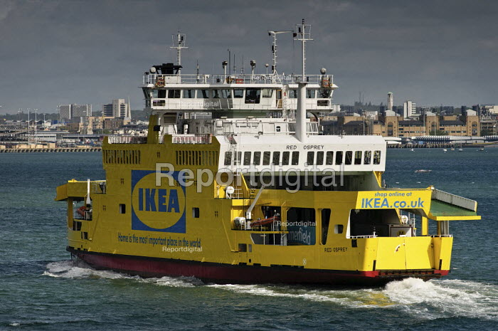 Red Funnel Isle of Wight car ferry Red Osprey in Ikea advertising livery. - Paul Carter - 2009-05-03