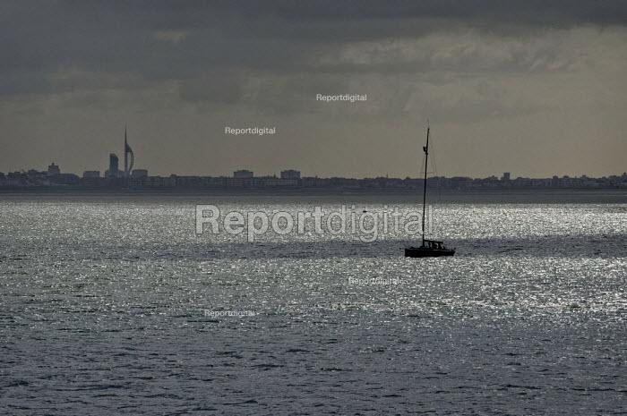 Sailing boat on Southampton Water. - Paul Carter - 2009-05-03