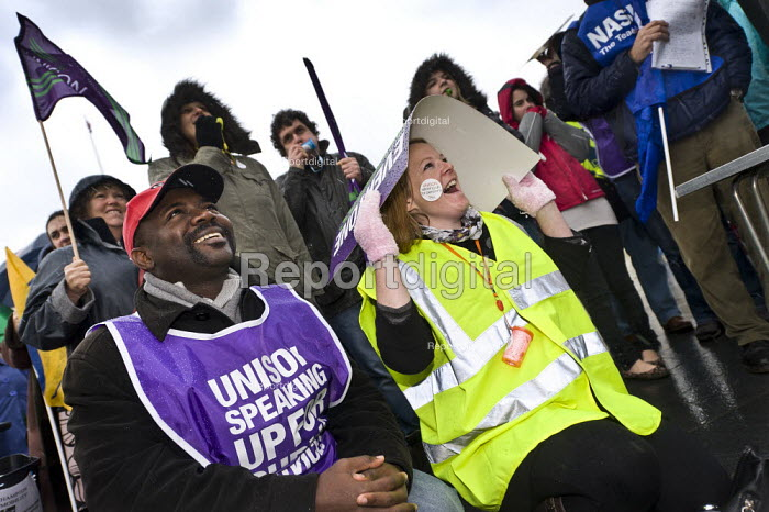 Strike by public sector workers over pensions, Southampton. - Paul Carter - 2011-11-30