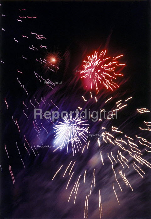Fireworks lighting up the night sky during a Public display. - Paul Carter - 1996-11-02