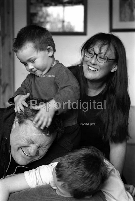 Family at home. - Paul Carter - 2001-09-13
