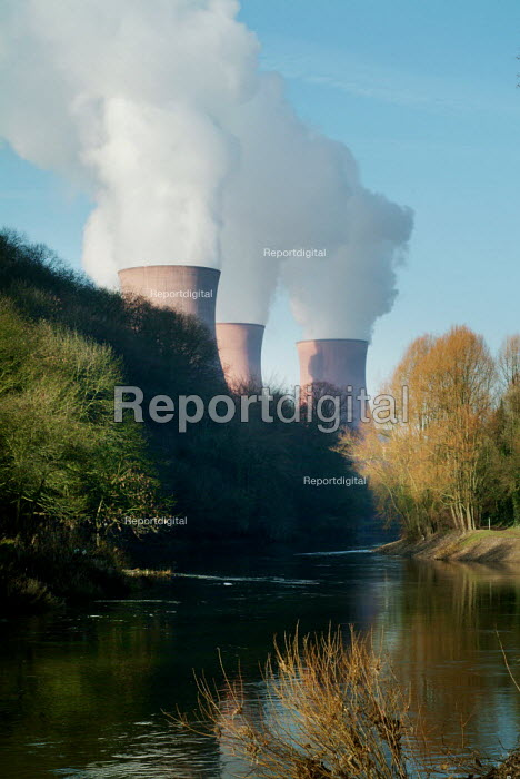 Views of the cooling towers of Ironbridge Coal fired Power Station, Shropshire. - Paul Carter - 2004-02-20