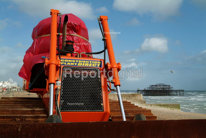 Gravel tractor on the beach by West Pier, Brighton - Paul Carter - 2005-04-04
