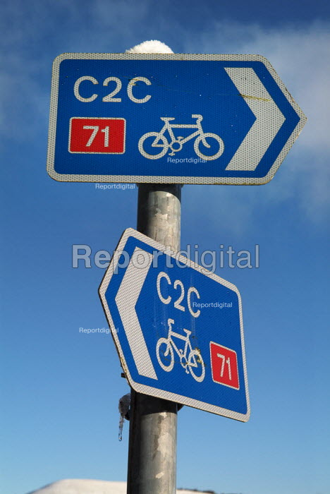 Cycle route signpost. The Lake District. - Paul Carter - 2004-12-26