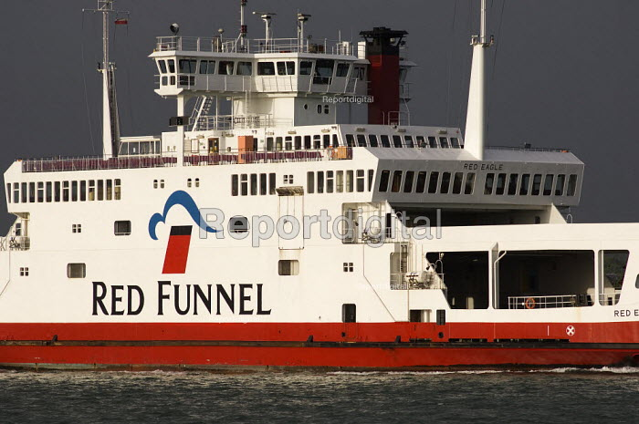 Car and passenger ferry Red Eagle operated by the Red Funnel Ferries, crossing The Solent between Cowes, Isle of Wight and town Quay, Southampton. - Paul Carter - 2006-05-20