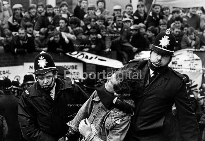 The Miners Strike, police arresting a miner, NUM executive meeting, Sheffield, Yorkshire - John Sturrock - 1984-03-08