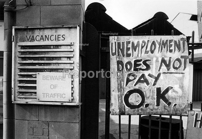 Engineering workers occupying Firth Derihon factory... - John Sturrock, JS09AR160.jpg