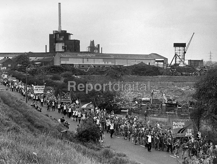 The Peoples March for Jobs passing a factory, Walsall 1983 - John Sturrock, JS09AR206.jpg