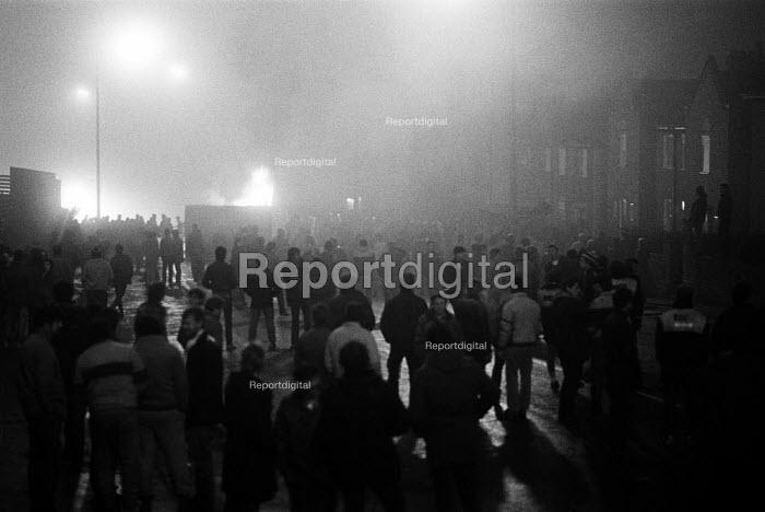 Mass picket, Cortonwood, Yorkshire - John Sturrock - 1985-02-28