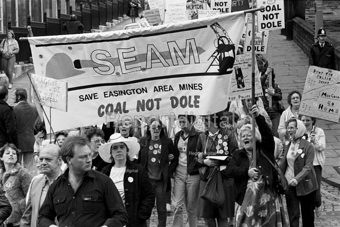 SEAM Easington women. Womens National protest in support of he Miners Strike, Barnsley, Yorkshire - John Smith - 1984-05-12