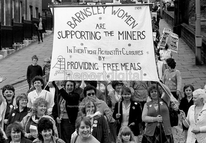 Barnsley Women, Womens National protest in support of he Miners Strike, Barnsley, Yorkshire - John Smith - 1984-05-12