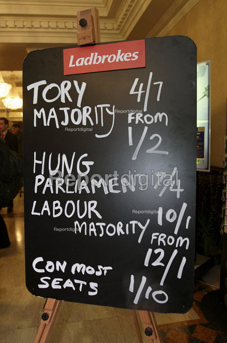 Ladbrokes political betting blackboard showing the odds on... - Justin Tallis, JT1002251.JPG