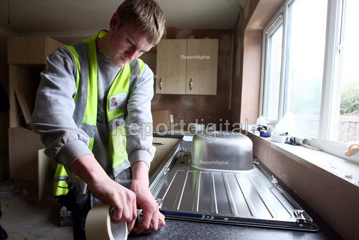 Apprentice working towards his NVQ level 2 in carpentry... - Justin Tallis, JT1003nch135.JPG