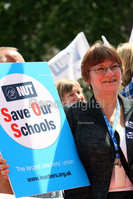 Christine Blower, NUT Gen Sec, at a rally against... - Justin Tallis, JT1007128.JPG