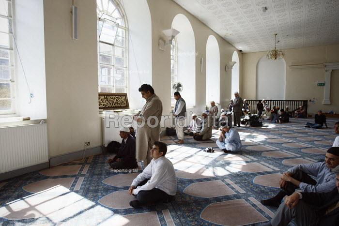 Friday prayers at Brick Lane Mosque, East London. - Justin Tallis - 2010-09-03