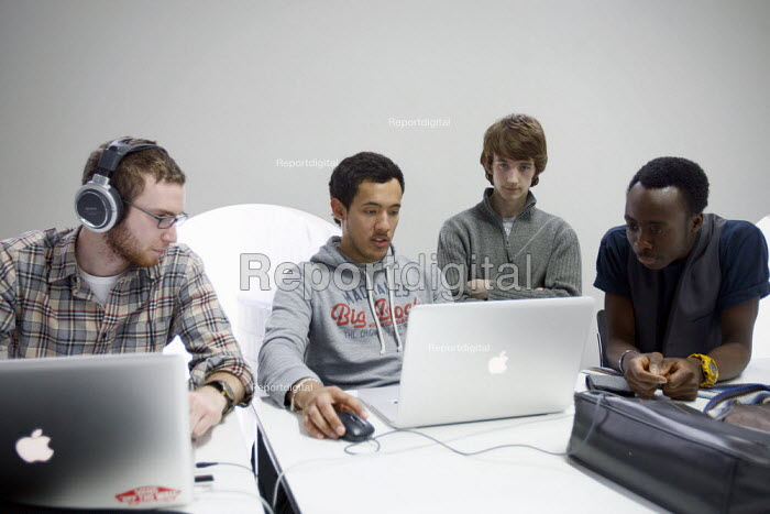 Students using 'Hot Desks' to study. Ravensbourne... - Justin Tallis, JT1012036.JPG