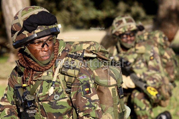 Reservists from the only London Territorial Army Infantry Regiment, The London Regiment, practicing pre-deployment training in preparation for operational service in Afghanistan. Norfolk, England. - Justin Tallis - 2009-12-10