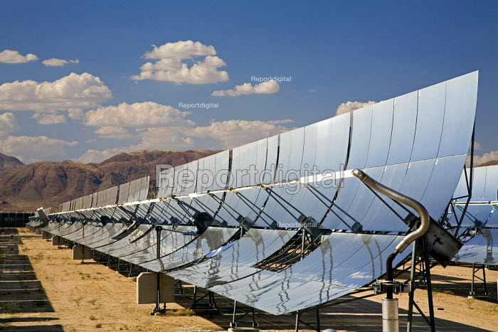 Solar electric generating system operated by Sunray Energy Inc, in the Mojave Desert of Southern California. - Jim West - 2006-06-30