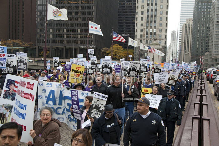 Chicago, Illinois - AFGE and AFL-CIO Trades union members and community organizations rally outside the conference of the American Bankers Association, demanding that the big banks and Wall Street firms stop lobbying against financial reform. - Jim West - 2009-10-27