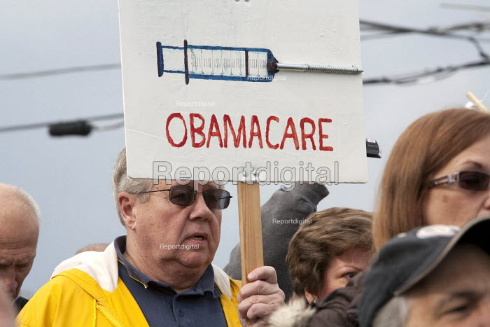 Tea Party opposing healthcare reform at a rally in Detroit. - Jim West - 2010-04-11