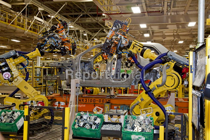 Chrysler Robots assemble new Jeep Grand Cherokee, at the Jefferson North Assembly Plant. - Jim West - 2010-05-21