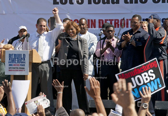 Detroit, Michigan - Thousands of union and community members participated in a March for Jobs, Justice, and Peace sponsored by the UAW union and Rev. Jesse Jackson's Rainbow PUSH Coalition. Democratic candidates for Michigan governor and lieutenant governor, Virg Bernero and Brenda Lawrence, were cheered by the protestors. - Jim West - 2010-08-28