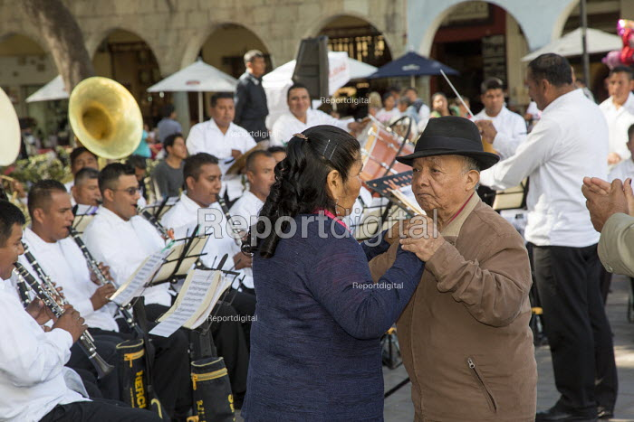 Oaxaca, Mexico - The weekly Wednesday dance in the central square. - Jim West - 2015-01-14